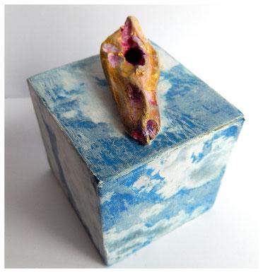 Objekt, Holzwürfel, Fotodruck auf Papier, Treibholz, Farbe, 2014