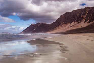 Lanzarote Sehenswürdigkeiten Famara Strand