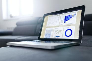 Dashboards and Datavisualisation on Laptop