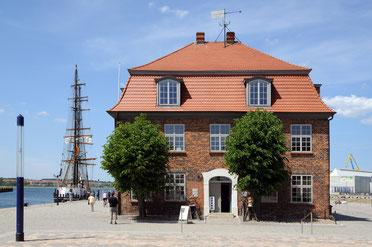 """Baumhaus (Barock) am """"Alten Hafen"""""""