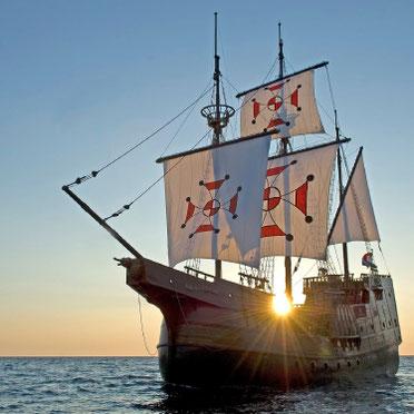 Dubrovnik: Sunset Dinner Cruise