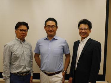 講師集合写真 左から、上田正人さん・原田塾長・阿部勝利さん