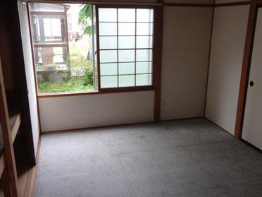 リノベーション前の畳を剥がした居室
