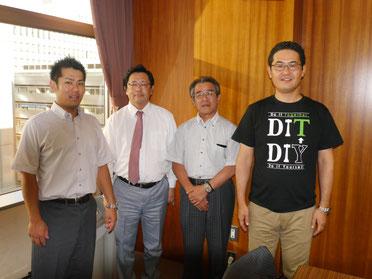 講師集合写真 左から、日本共済の方2名・道場智之さん・原田塾長