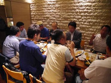 平野さん各テーブルを周りお話ありがとうございます!