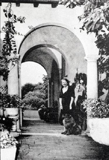 Mrs. Louise Olga Dillingham at La Pietra