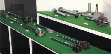 Im Rahmen der Auftragsfertigung fertigen wir für Sie auch Losgrößen, für die sich die Beschaffung einer eigenen Reibschweißmaschine nicht lohnt. Außer Stahl-Stahl-Verbindungen sind auch Material-Paarungen unterschiedlicher Werkstoffe möglich.