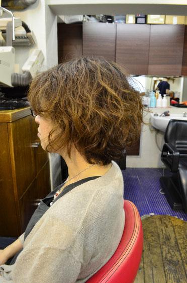 癖毛は活かす方がいい??それとも縮毛矯正して無くす方が良い?