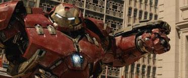 Reiner Fan-Service: Iron Man im Hulkbuster-Outfit. [Quelle: Disney/Marvel]