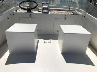 Poste de pilotage bateau polyester.
