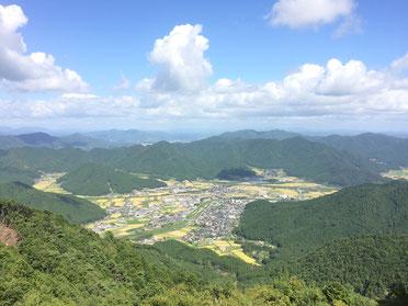 佐治のまち・岩屋山山頂から見る