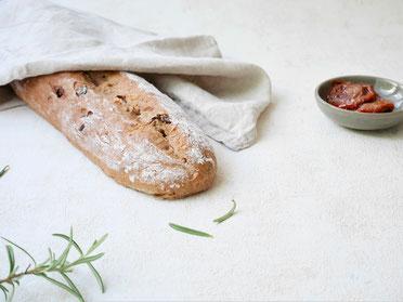 Tomaten-Rosmarin-Baguette