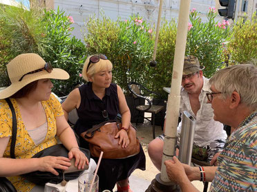 マルセイユの港のカフェでイヴ氏とタロット談義