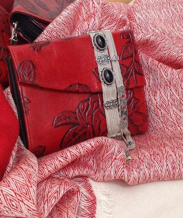 Designer Geldbörse von déqua, Rose classic, geprägtes Leder, rot