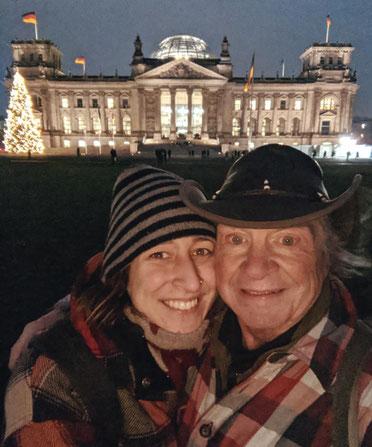 Reichstag Berlin zur Weihnachtszeit, Berlinreise an Weihnachten