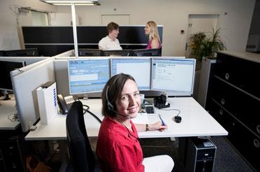 Ärztin Anita Berndt an ihrem Arbeitsplatz in Basel