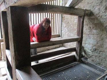Am Brunnen auf Burg Pappenheim