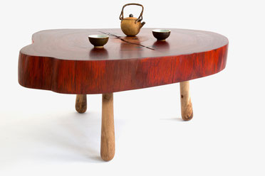 Living Wooden Sculptures, a combination of elegance and primeval nature. Made from naturally aged and exceptional wood by Jörg Pietschmann in Germany. www.joergpietschmann.com