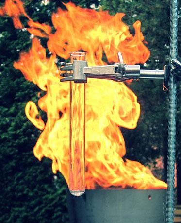 Experimentalvortrag und praktische Ausbildung zum Brandschutzhelfer nach DGUV 205-023
