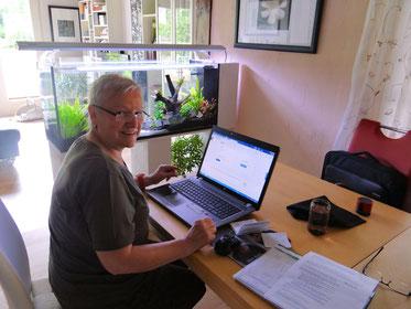 Mit unseren Kunden entwickelt sich stets ein sehr nettes Verhältnis, was das Lernen am PC wesentlich erleichtert. Kein Stress und kein Druck, das findet auch Anneliese.