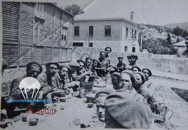 Louis GAL et ses camarades dans la Drôme, aux chantiers de jeunesses en 1942