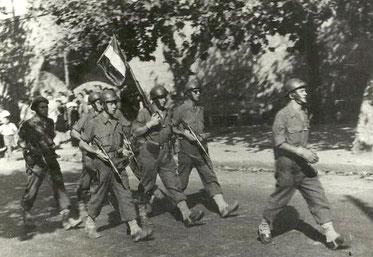 Défilé des hommes du 1er bataillon de Choc à Ajaccio. 1944