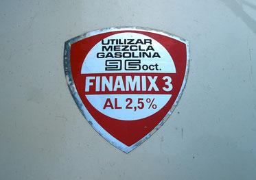 Pegatina de mezcla de gasolina y aceite en el depósito, una rareza! Ducati recomendaba en sus ciclomotores aceite Finamix al 2,5%