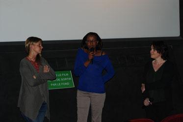 Amélie Schafer et Chloé Henry-Biabaud, réalisatrice, accueillies par la directrice du Katorza