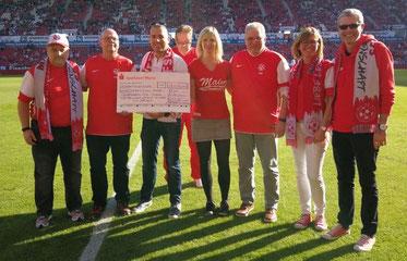 von links: Martin Veser, Felix Pothmann, Kai Leimig (Förderverein), Klaus Hafner (im Hintergrund), Nadine Heine, Thomas Ort, Andrea Grimme, Rüdiger Koch.