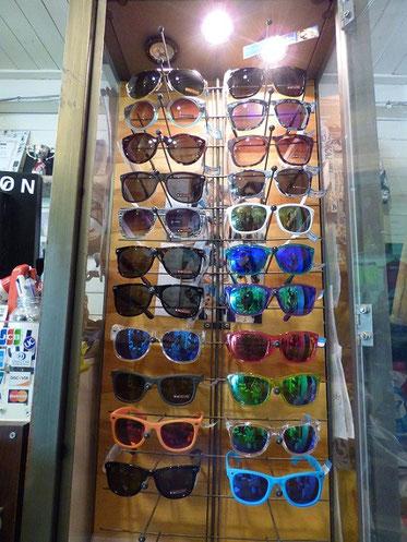 ドットダッシュのサングラスも最新モデルがラインナップしていますよ~~!     3,900円+Tax