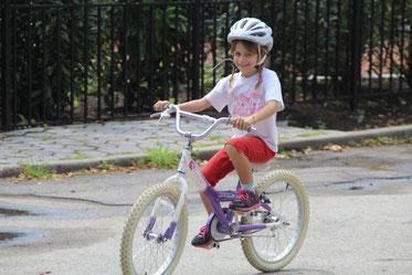 Noémie à Central Park, ravie de refaire du vélo !