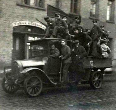 Braunschweig: Novemberrevolution 1918 / Revolutionstruppen (Quelle: Stadtarchiv_Braunschweig)