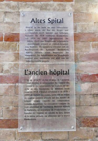 Hinweisschild am Spitalgebäude