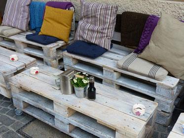 Praktischer Euro-Paletten-Tisch  -   Smarte Upcycling  -  Ressourcen  -  Einzigartiges Design