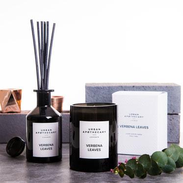 Entdecken und kaufen Sie die Markenvielfalt von PRETTY PRETTY, der Onlineshop, der sich ausschließlich auf Luxuskosmetik und Clean Beauty aus der ganzen Welt spezialisiert hat. Urban Apothecary | Compagnie de Provence | Edward Bess | Marvis