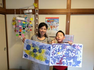 ボランティアさんと一緒に絵画教室(写真をクリック)