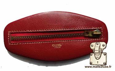 Petit porte monnaie Moynat Cuir rouge Dimension : 11 cm x 5 cm