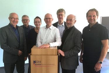 Die FDP-Regionsfraktion mit Bürgermeister-Kandidat Arne Wotrubez (Mitte): Thomas Iseke, Gerhard Kier, Thomas Siekermann, Christiane Hinze, Daniel Farnung und Klaus Nagel (von rechts).