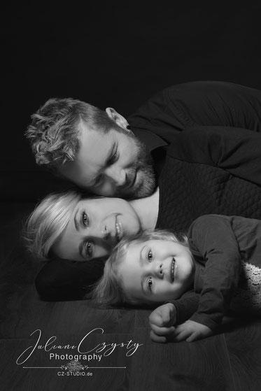 Juliane Czysty mit Familie – ihre Fotografin in Visselhövede bei Rotenburg