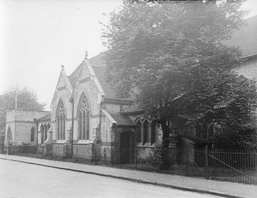 The second St James' Church - probably in the 1950s. This image and that at the top of the page are from the Birmingham History Forum courtesy of Gillian Atkins.