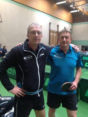 Sieger und Fünfter: Topfavorit Manfred Nieswand, der die Ü60 gewann, mit Kalle Simon.