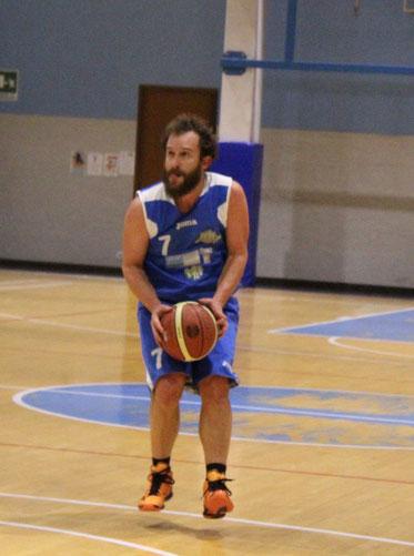 Danilo Brizio autore di 17 punti contro il Marchesato