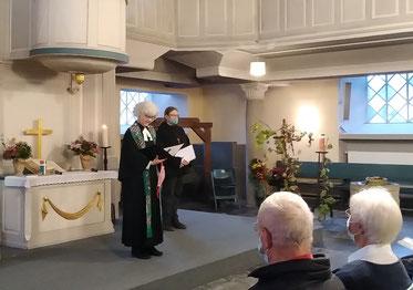 Pfarrerin Funda und Gemeindereferentin Janssen