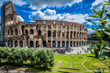 Колизей, построен по разным источникам от I до XVIII в.