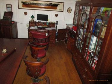 Le salon du Capitaine, en acajou de Cuba