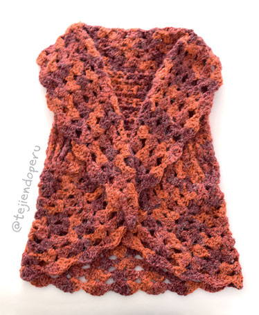 Chaqueta con cuello doblado tejida a crochet en tres tallas!