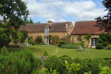 La maison d'été, la grande maison et la grangette