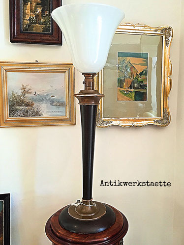 Art Deco stand light