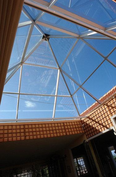 Glasdach für natürliche Wärme.