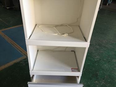 食器棚中段部分